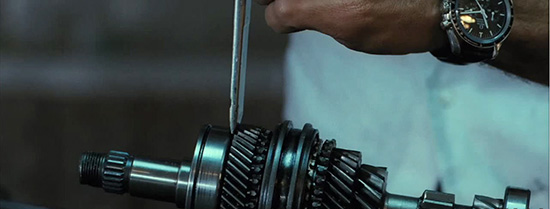 Watches in movies: American, The (2010)