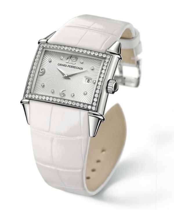 Girard-Perregaux Vintage 1945 Lady Limited Edition at SIHH 2011