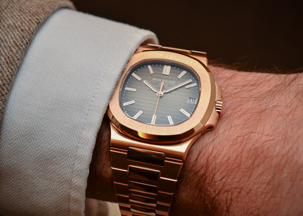 Patek-Philippe-Nautilus-57111R-001-Rose-Gold-chocolate-2